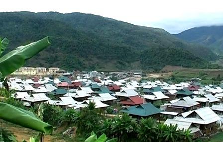 Thực hiện tốt công tác di dân tái định cư thủy điện Lai Châu, bộ mặt nông thôn của huyện đã có nhiều đổi thay, phát triển