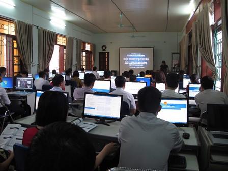 Các học viên tham gia tiếp nhận kiến thức tại lớp tập huấn
