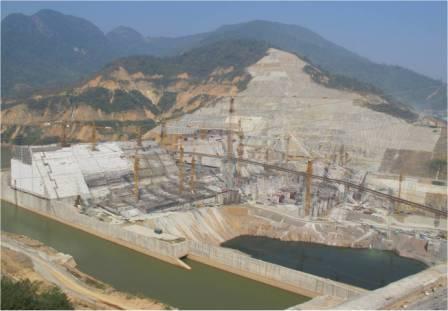 Công trình thủy điện Lai Châu nhìn từ hạ lưu