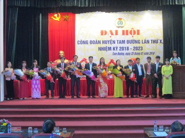 BCH Công đoàn huyện khóa mới ra mắt Đại hội