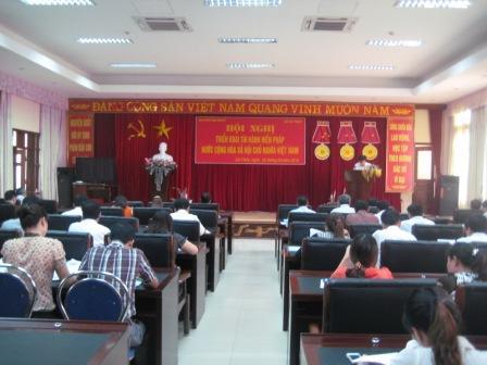 Hội nghị triển khai thi hành Hiến pháp năm 2013 cho đội ngũ báo cáo viên của Đảng và báo cáo viên pháp luật cấp tỉnh (Ảnh: Lê Công)