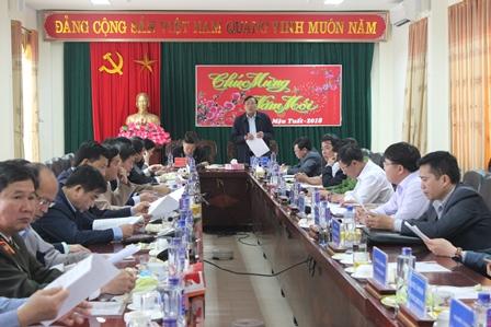 Ban Thường vụ Tỉnh ủy kiểm tra tình hình thực hiện nhiệm vụ sau tết Nguyên đán tại huyện Tân Uyên (ảnh: TP)