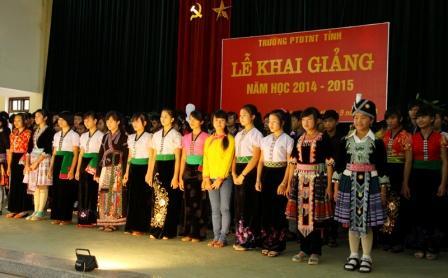 Lễ khai giảng năm học 2014 - 2015 của Trường PTDT nội trú tỉnh (ảnh: KK)