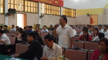 Đại biểu phát biểu thảo luận tại Hội Nghị