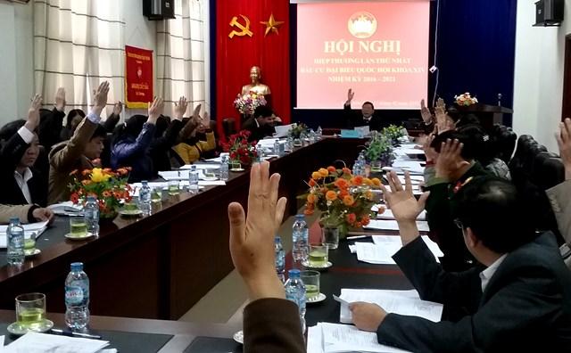 Các đại biểu biểu quyết nhất trí về cơ cấu, thành phần, số lượng người giới thiệu ứng cử đại biểu Quốc hội khóa XIV