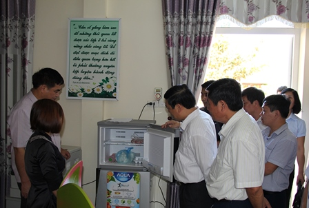 Đoàn kiểm tra công tác VSATTP tại trường Mầm non Nậm Khao