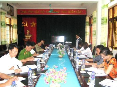 Đoàn công tác của tỉnh làm việc với Thường trực huyện ủy Sìn Hồ về thực hiện Chỉ thị 03-CT/TW (ảnh: HT)
