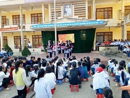 Các chính sách hỗ trợ phát triển giáo dục vùng dân tộc thiểu số được huyện Sìn Hồ triển khai thực hiện kịp thời, đạt hiệu quả