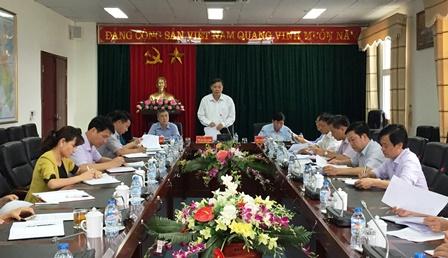Đồng chí Vũ Văn Hoàn - Phó Bí thư Tỉnh ủy, Chủ tịch HĐND tỉnh  phát biểu chỉ đạo phiên họp