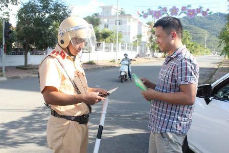 Tăng cường công tác tuần tra, kiểm soát và xử lý nghiêm các hành vi vi phạm trật an toàn giao thông
