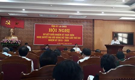 Đồng chí Nguyễn Khắc Chử, Bí thư Tỉnh ủy phát biểu bế mạch Hội nghị