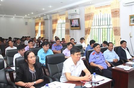Các đồng chí lãnh đạo các sở, ban, ngành tỉnh, lãnh đạo huyện Mường Tè dự Hội nghị