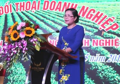 Đ/c Giàng Páo Mỷ - Ủy viên BCH Trung ương Đảng, Bí thư Tỉnh ủy, Trưởng Đoàn ĐBQH tỉnh phát biểu chỉ đạo tại Diễn đàn.