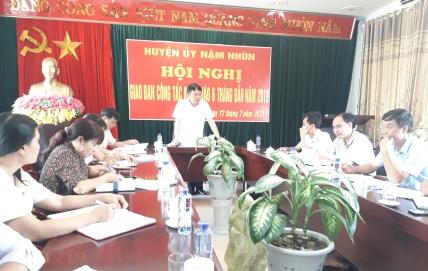 Đ/c Trần Quốc Khanh - Phó Bí thư Huyện ủy phát biểu kết luận Hội nghị