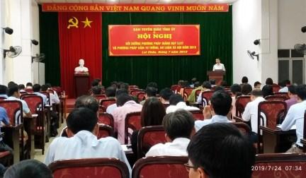 Đ/c Lê Chí Công - Phó Trưởng Ban Tuyên giáo Tỉnh ủy phát biểu bế mạc Hội nghị