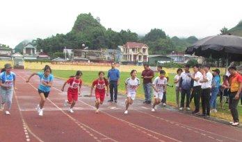 Các vận động viên nữ thi môn điền kinh cự ly 3.000m