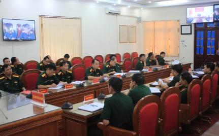 Các đại biểu dự hội nghị tại điểm cầu Bộ Chỉ huy Quân sự tỉnh Lai Châu