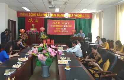 Đồng chí Đặng Thanh Sơn - Phó Trưởng ban Thường trực ban Tuyên giáo Tỉnh ủy giới thiệu cuốn Lịch sử Ngành Tuyên giáo tỉnh Lai Châu (1952-2017)