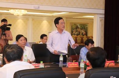 Đại biểu tham luận tại Hội thảo