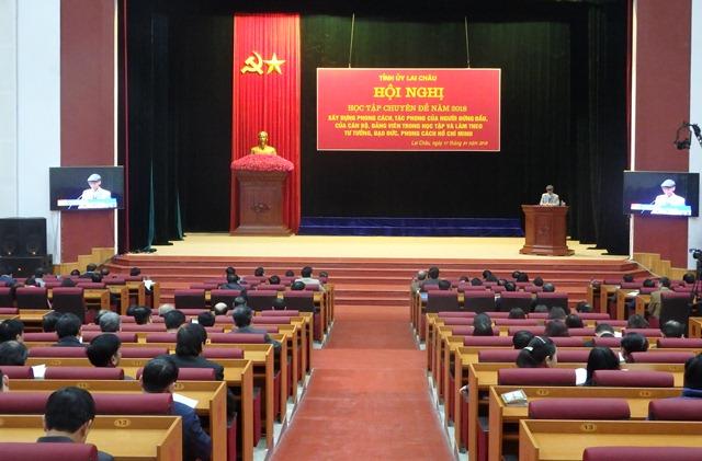 Đổi mới hình thức học tập nghị quyết của Đảng bằng hình thức truyền hình trực tiếp trong toàn tỉnh