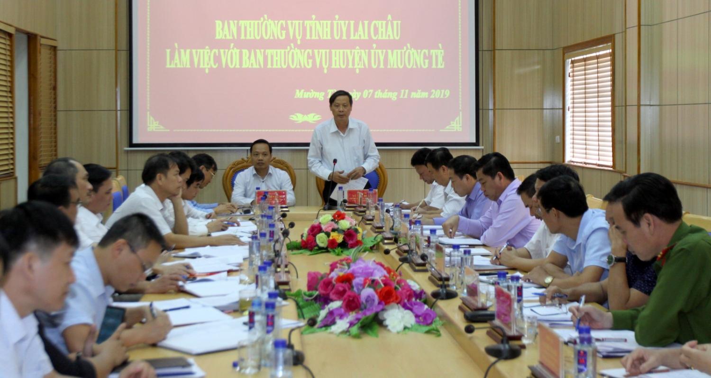 : Đ/c Vũ Văn Hoàn - Phó Bí thư Thường trực Tỉnh ủy, Chủ tịch HĐND tỉnh phát biểu kết luận tại buổi làm việc