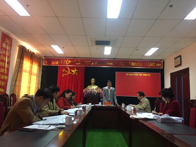 Đ/c Lê Văn Lương - UVBTVTU, Chủ nhiệm UBKT Tỉnh ủy phát biểu kết luận kỳ họp