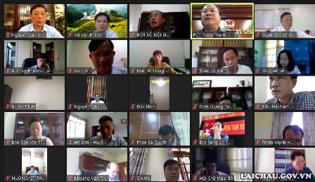 Các đại biểu tham gia cuộc họp qua phần mềm Zoom cloud meetings.