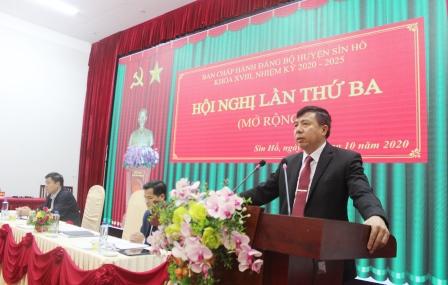 Đồng chí Hoàng Thọ Trung - Ủy viên Ban Chấp hành Đảng bộ tỉnh, Bí thư Huyện ủy kết luận hội nghị