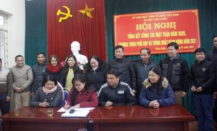 Mặt trận tổ quốc các xã, thị trấn ký giao ước thi đua năm 2021